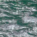 川面の光と波紋     —15.4.1—